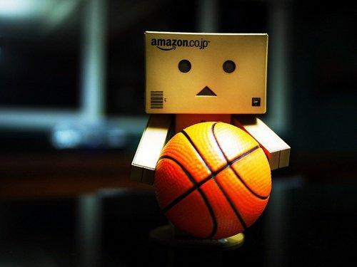 Danbo joue au basket