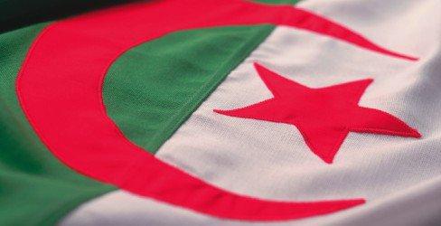 Algérie: les émeutes prennent de l'ampleur
