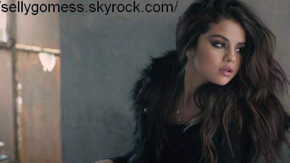Nouveau Photoshoot de Selena pour Adidas Néo !