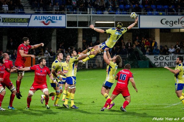 Clermont 27 – Grenoble 13 'Clermont maillot jaune'