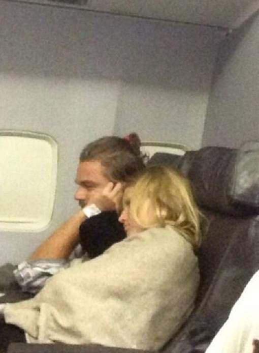 Moment complice entre Leo DiCaprio et sa nouvelle copine de 21 ans