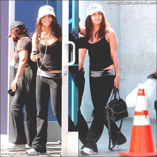 PS   Vanessa  - Quittant la salle de sport avec Gina et Stella (Studio City) PS[ /c]