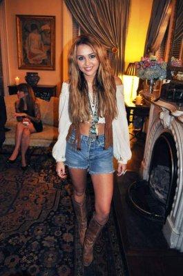 Miley Cyrus à une fête avec Marc Jacobs
