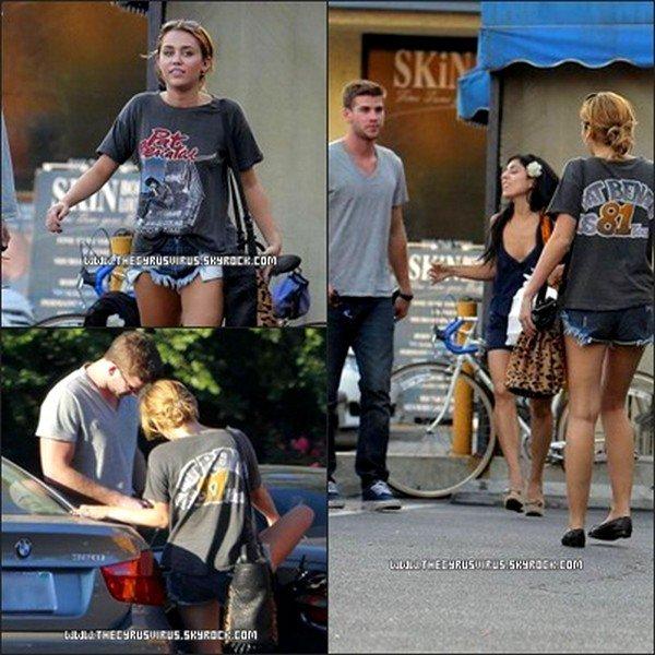 24.08.11 Miley vu avec son boyfriend et l'une de ses danseuses. Décidément inséparables ces deux là.