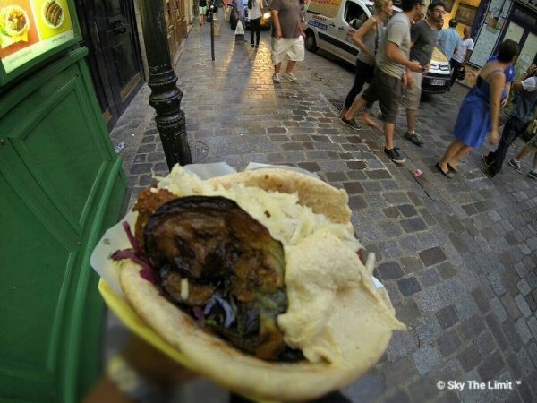 L'as Du Fallafel 34 Rue des Rosiers  75004 Paris - Métro St Paul