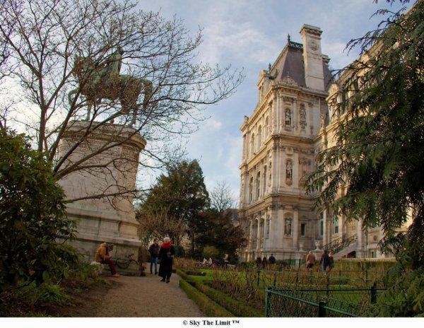 Parc de l'hôtel de ville Paris, ouvert au public. #placehoteldevilleparis Paris (Paris, France) #paris