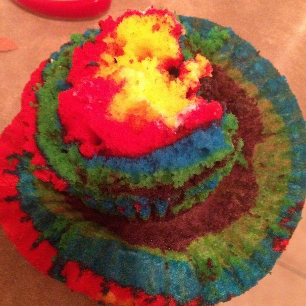 hummm rainbow cupcake