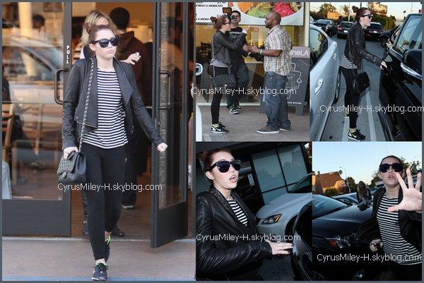 . .» Miley Cyrus ce 8 mars .  Plutôt TOP ou FLOP ?  ..