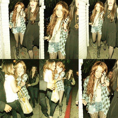 . .» Miley Cyrus ce 12 mars .  Plutôt TOP ou FLOP ?  ..