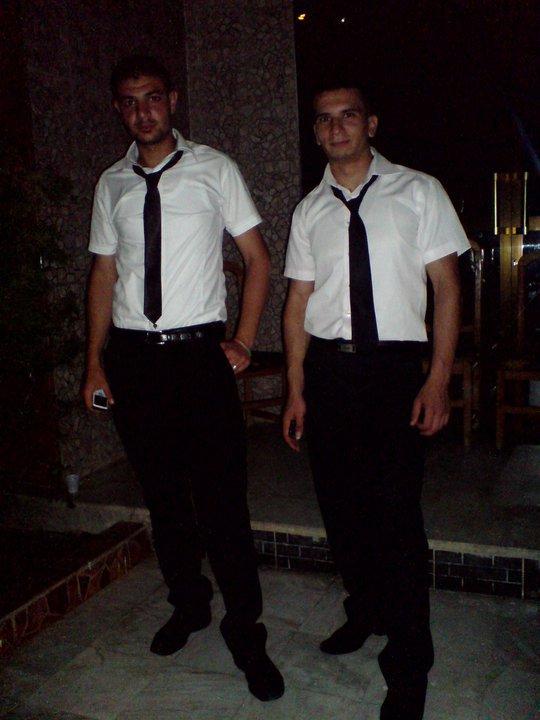 moi à droite et mon cousin bayza à gauche