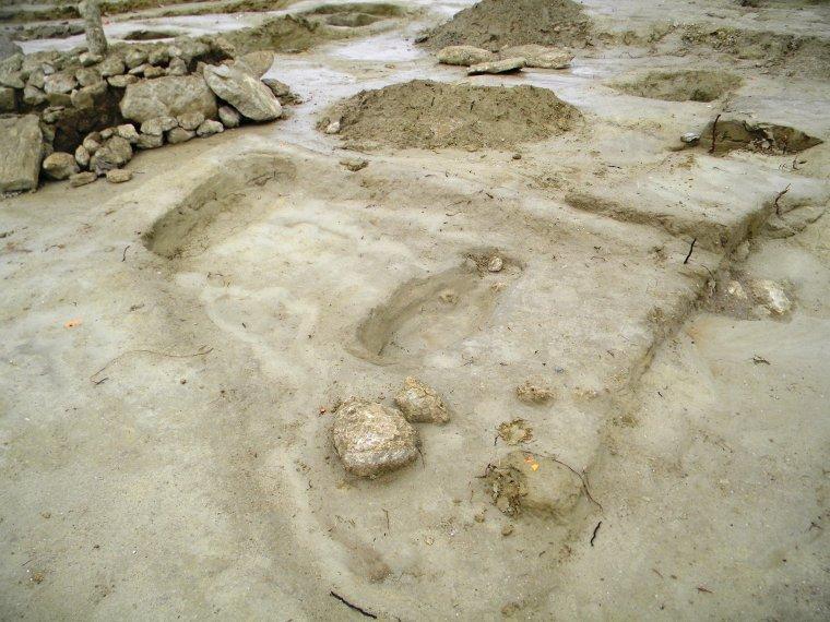 Un Cimetière Médiéval découvert ....