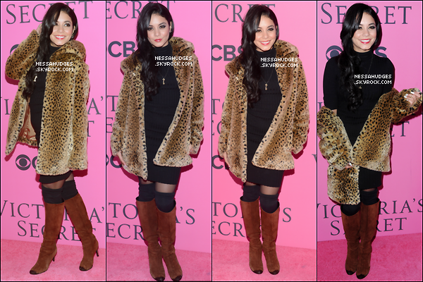 """.  07/11/12 : Vanessa s'est rendu au défilé de """" Victoria Secret """" avec Austin Butler.   ."""