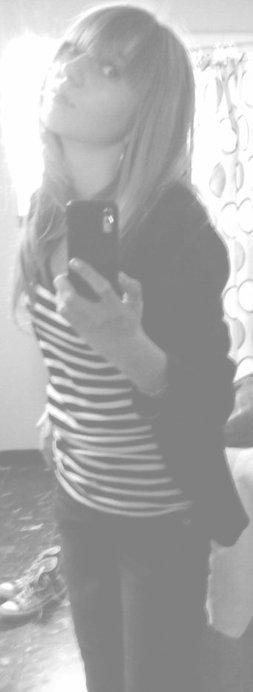 . Louuchie & Mathilde; les vieilles biques.  ♥.