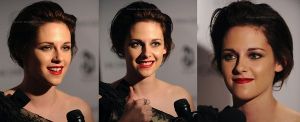 ______________________________  Lundi 18 Octobre 2010  ______________________________ Des photos de Kristen à la conférence de presse du film Welcome to the Riley's. ______________________________ Votre avis  robe/maquillage? Moi j'aime sa robe mais je trouve le maquillage trop forcé sur les yeux.  _____________________________________