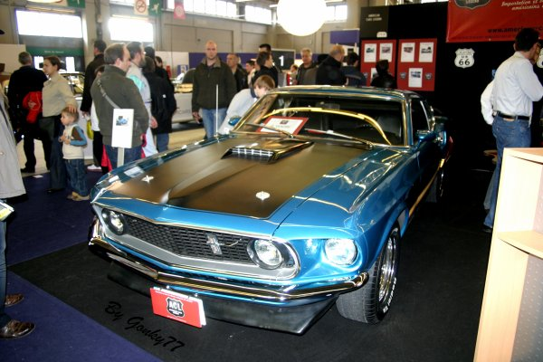 """RETROMOBILE 2011""  suite ..."