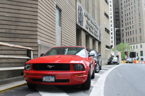 MUSTANG A NEW YORK !