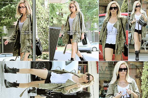 Le 26 Juin: Ashley et sa maman s'en sont rendu au DMV, à LA.