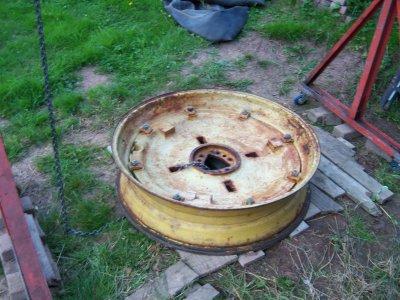 nettoyage des jantes AR et montage des pneus