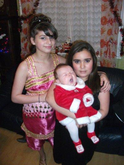 moi et ma cousine et hanissa ma soeur