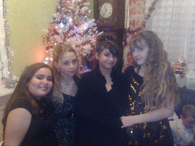 moi et mes cousine et ma soeur a noell