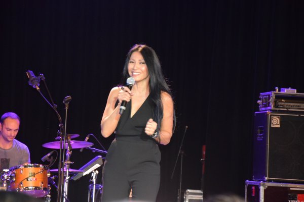 Showcase - Anggun