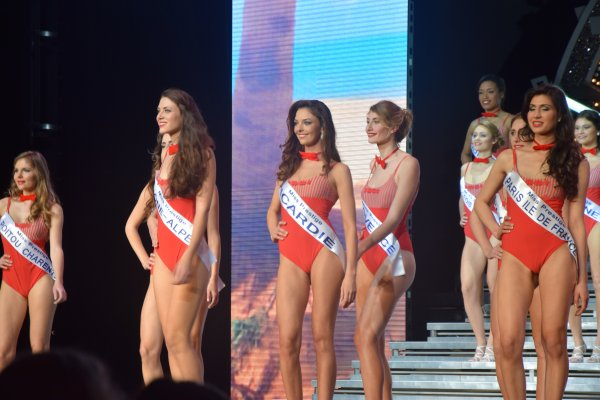 Election de Miss Prestige National 2016 - Défilé des Miss en maillot de bain