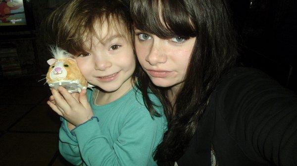 Je danse , je chante ..  Et je m'apelle Jenniifer .† et ma petite soeur je t'aime plus que tous..<3