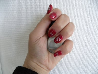 quand hello kitty se met sur mes ongles :)