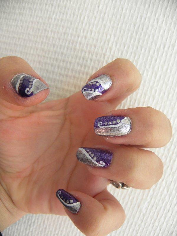 nail art ou j'ai essayer de reproduire le nail art de tartofraise