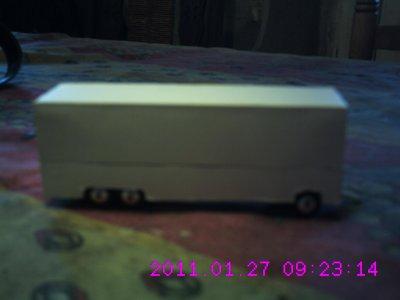 Avec un peu de retard voici quelques photos des véhicules en cours de création.