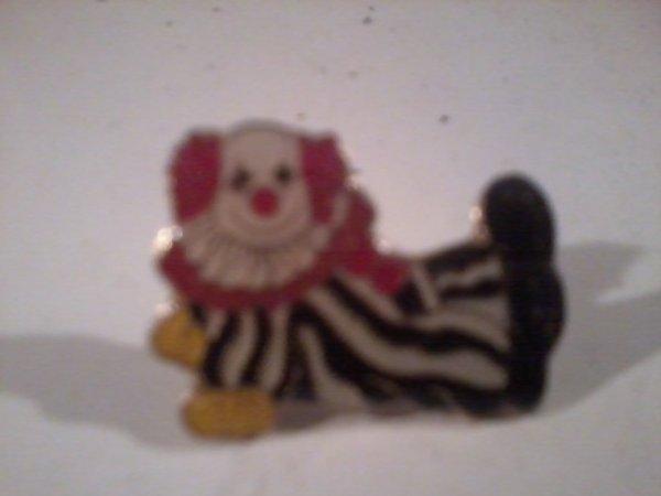 Voici ce que j'ai retrouvé dans ma collection de pin's !