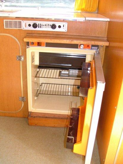le r frig rateur pos 5 ans apr s la livraison caravane ode la caravane. Black Bedroom Furniture Sets. Home Design Ideas