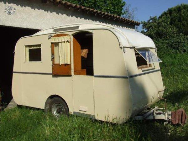 magnifique albuet si rare vue sur leboncoin caravane ode la caravane. Black Bedroom Furniture Sets. Home Design Ideas
