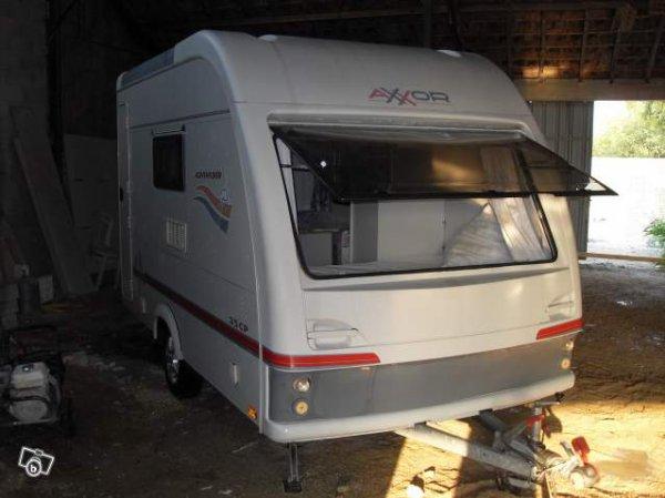 un beau mod le original porte arri re axxor vu sur leboncoin caravane ode la caravane. Black Bedroom Furniture Sets. Home Design Ideas