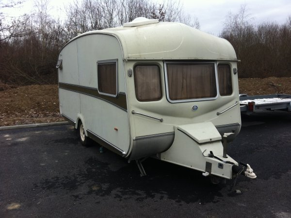 a nous les petites anglaises 2 places environ 5 m tres vue sur leboncoin caravane. Black Bedroom Furniture Sets. Home Design Ideas