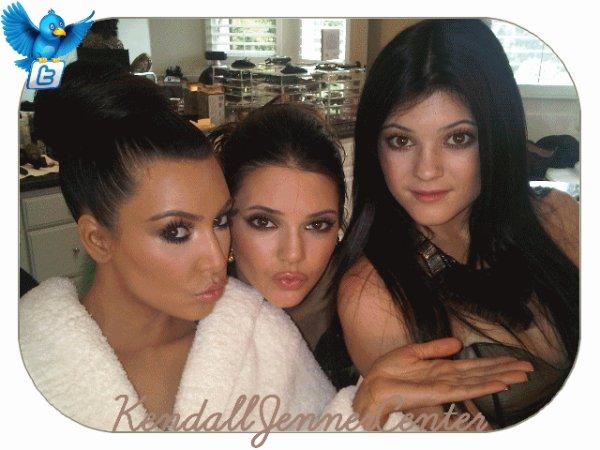 TWITTER : Kim a posté une photo d'elle, Kendall et Kylie; Kendall a posté deux photos d'elle, Rob et Kylie.  Et toi ? Tu les trouve comment ?