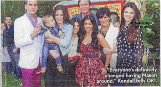 """SCANS :  Voici quelques scans du magazine """"OK!"""". Le magazine parle principalement de Noël chez les Kardashians/Jenner et de l'anniversaire de Mason.  Comment trouves-tu Kendall sur les scans ? Connais-tu le magazine OK! ?"""