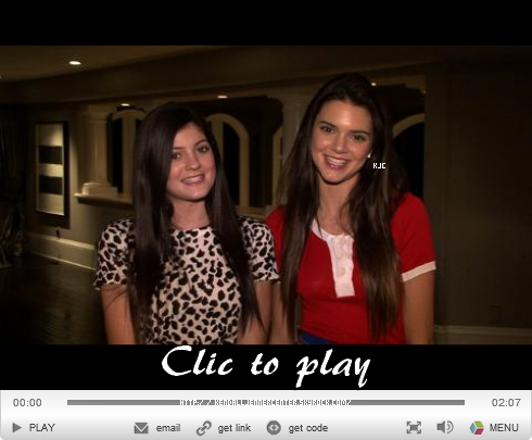 VIDEO :  Voici une interview de Kendall et Kylie et behind scene du photoshoot pour TeenVogue.  Que penses-tu de Kendall ? Préssée de voir le photoshoot ?