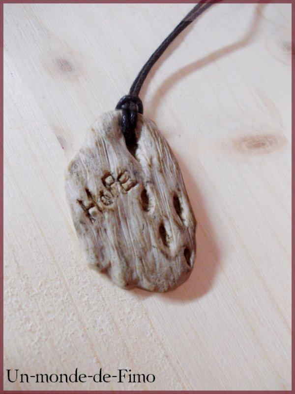 Cinq-cent-vingt-cinquième objet:   Collier Nature