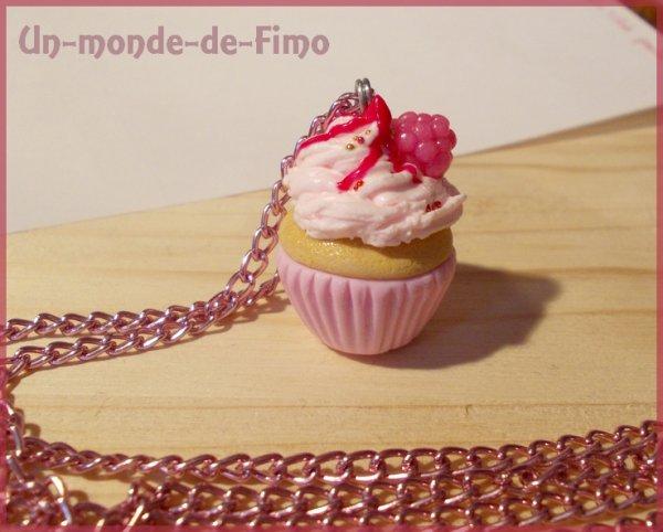 Cinq-cent-quarante-quatrième objet:   Cupcake à la framboise