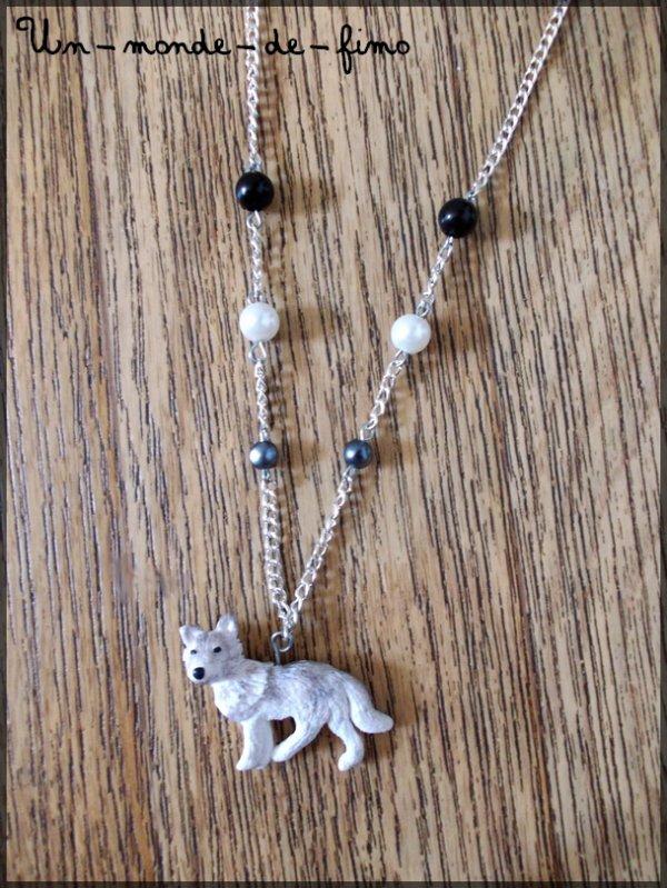 Cinq-cent-cinquantième objet:   Loup gris