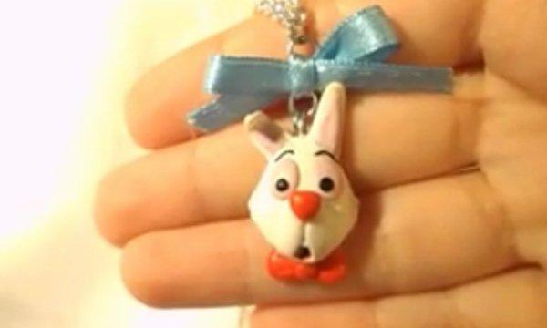 Cinq-cent-soixant-et-deuxième objet:   Vous avez vu le lapin blanc?!!