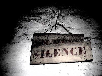 Mon silence  =  baisse de moral