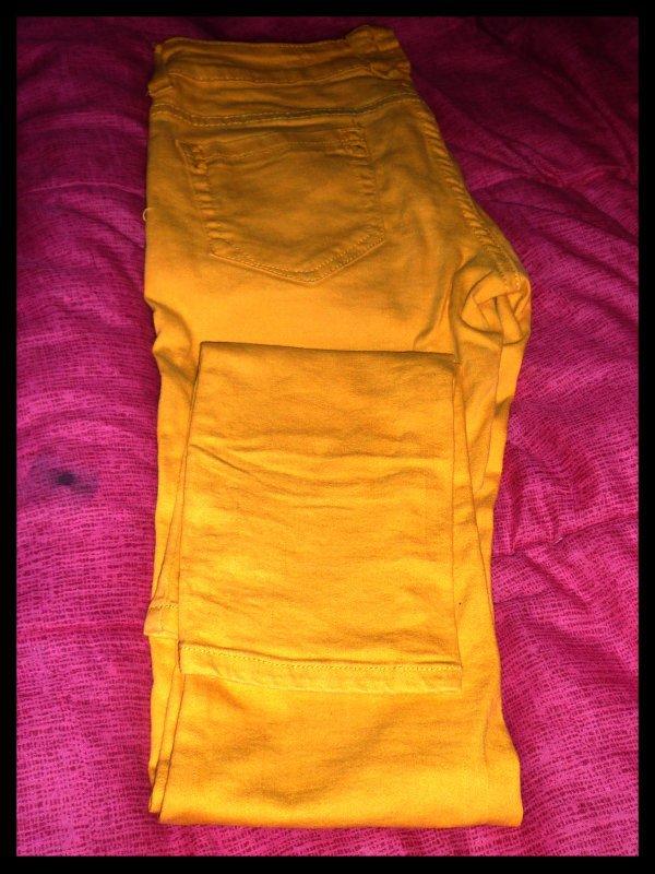 Slim jaune, vert et bleu taille S/M :)