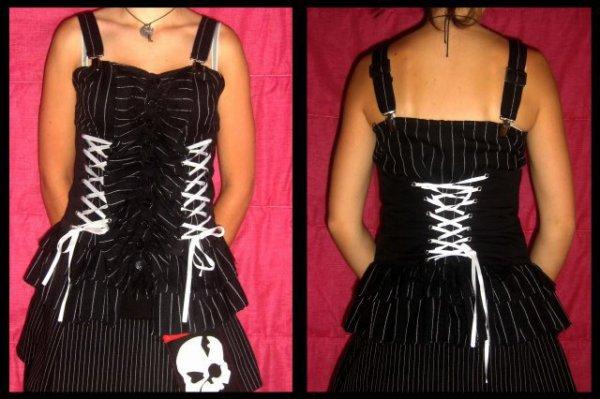 Top corset HELL BUNNY blanc et noir taille XS/S/M :)