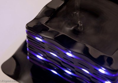 Japan's Koizumi competition in the award-winning LED light glasses