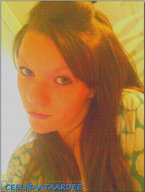 Mon amour promet moi de rester toujours a mes cotés..♥  (2012)