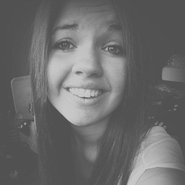 souris à la vie et la vie te sourira.