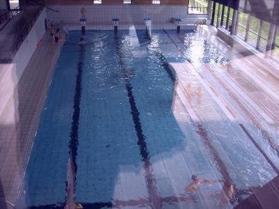 Situer aux coeur du village la piscine de val joly le for Piscine val joly prix