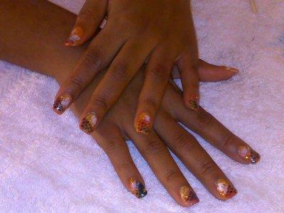 Pose d\u0027ongle main gel 16 (capsule gel couleurs jaune orange rouge décos  noir